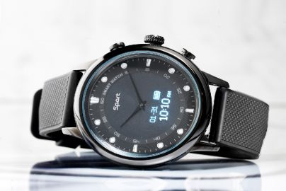 Tobias Jacobsen smartwatch black