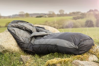 Explorer sovepose med gåsedun