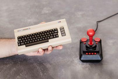 C64 Mini 1982 konsoll inkl. 64 spil + USB joystick