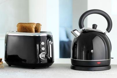 Kitchen Master toaster og vannkoker sort